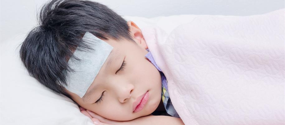 Anak Demam Panas. Surirumah Ini Kongsi Kaedah Sponging Untuk Bantu Turunkan Suhu Badan
