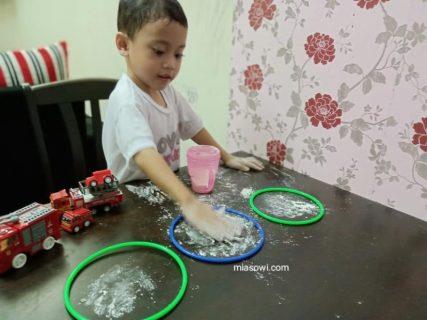 Permainan Terbaik Di Rumah Untuk Meningkatkan Sensori Anak